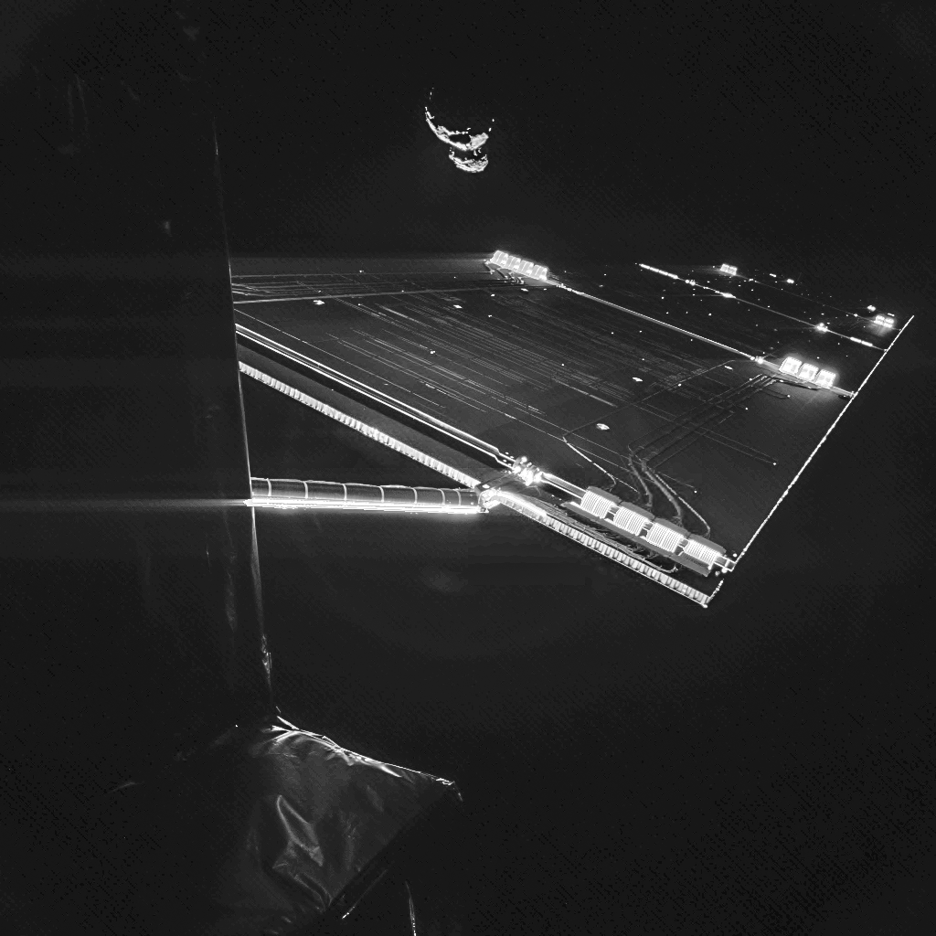 Rosetta_mission_selfie_at_comet