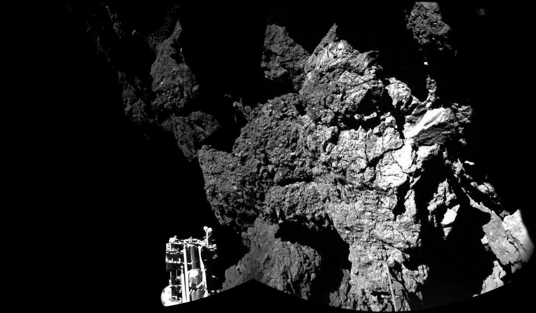 13philae-on-comet-superJumbo