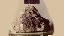 8-22-11_Lunar_sample